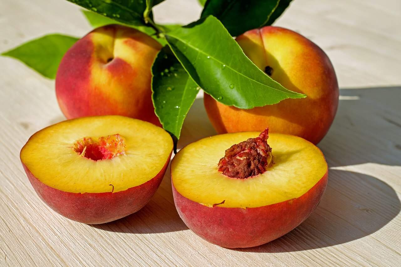 how-to-peel-peaches